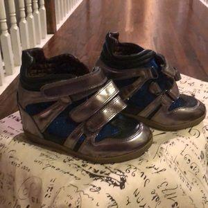Kids Steve Madden platform tennis shoes.